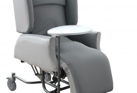 Apollo Air Chair DX-FR facing left with a white background